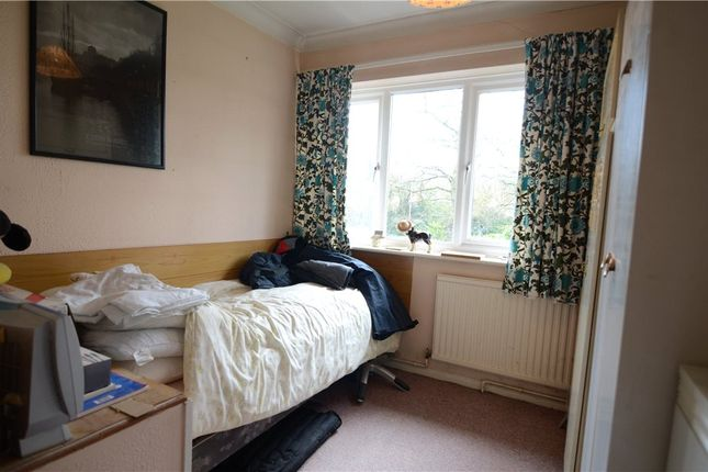Picture No. 04 of Ively Road, Farnborough, Hampshire GU14