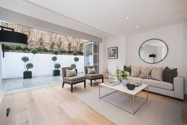 Thumbnail Maisonette for sale in Cathnor Road, London