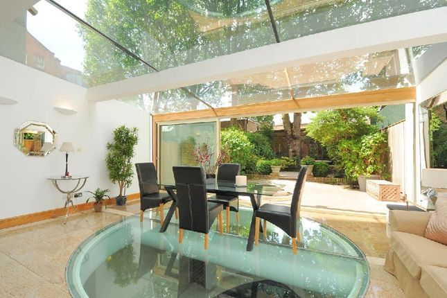Thumbnail Property to rent in Cheyne Place, Chelsea, London