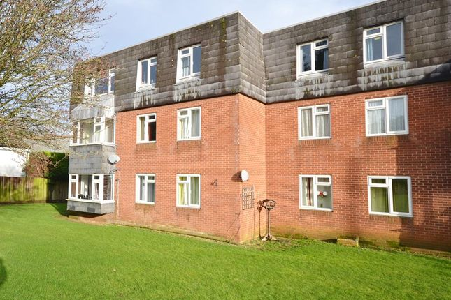 Thumbnail Flat for sale in Wragg Court, Rowley, Cam, Dursley