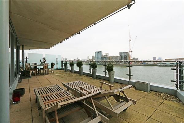 Thumbnail Flat to rent in Ensign House, Battersea Reach, Juniper Drive, Wandsworth