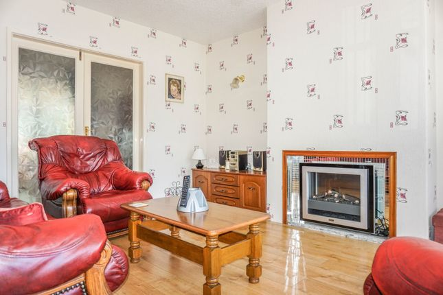 Living Room of Sparth Road, Manchester M40
