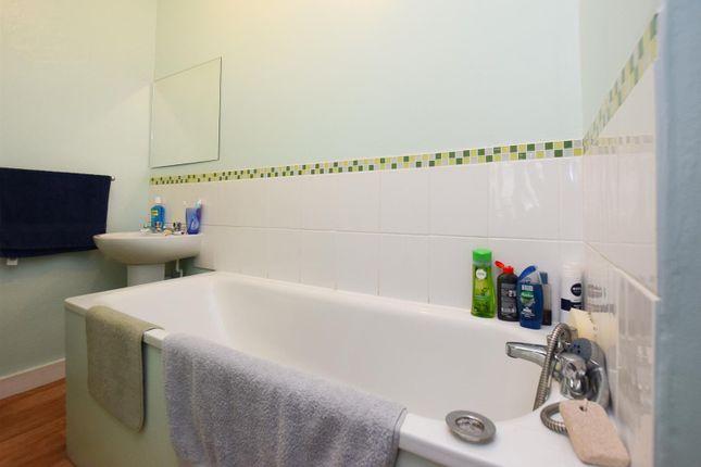 Bathroom of Cornwallis Gardens, Hastings TN34