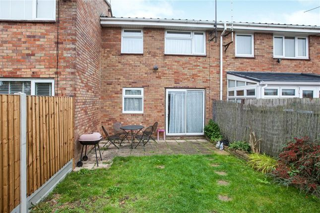 Picture No. 04 of Speedwell Close, Witham, Essex CM8