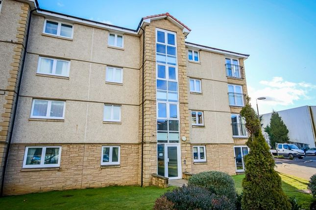 Flat to rent in Newlands Court, Bathgate