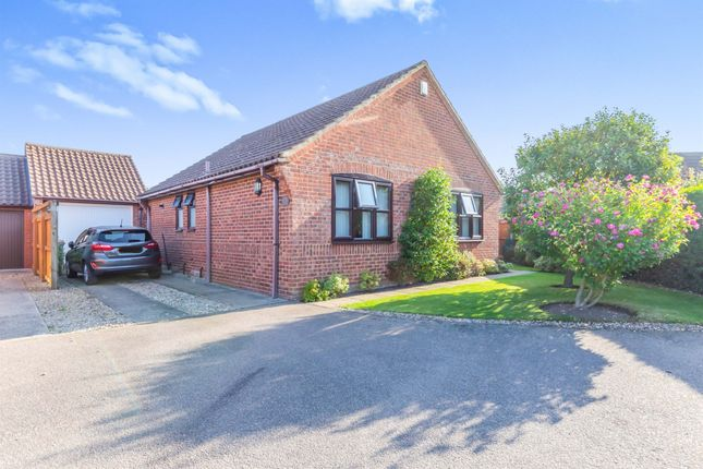 Thumbnail Detached bungalow for sale in Hawthorn Walk, Holt