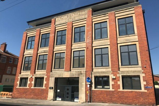 Thumbnail Flat to rent in Aplin House, Yeovil