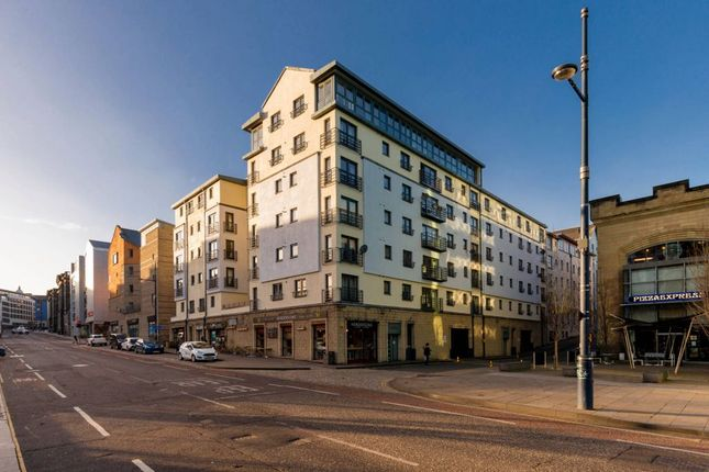 2 bed flat for sale in 3/1 Gentle's Entry, Holyrood, Edinburgh