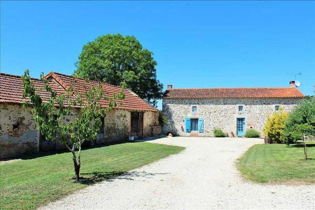 Thumbnail Barn conversion for sale in Poitou-Charentes, Vienne, L'isle Jourdain