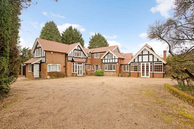 7 bed detached house to rent in Argos Hill, Rotherfield, Crowborough TN6