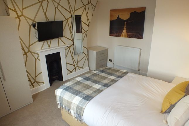 Room to rent in Jesse Terrace, Reading