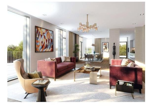 Flat for sale in West Heath Road, Hampstead, London
