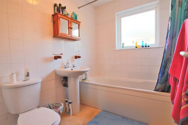 Bathroom of Galleon Court, Newquay TR7