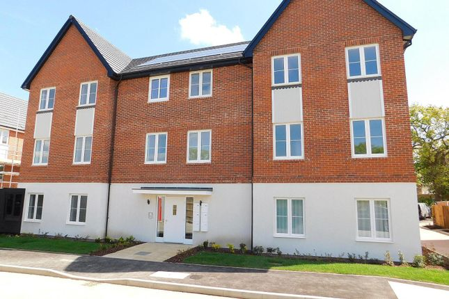 Thumbnail Flat to rent in Edwin Street, Burgess Hill