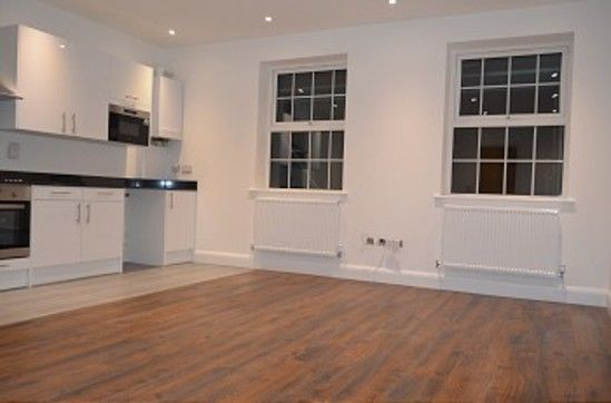 Thumbnail Flat to rent in Bounds Green Road, London
