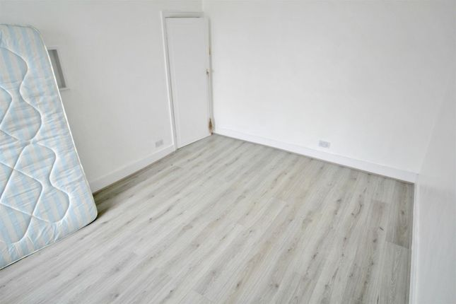 4 Bed Property To Rent In Oakleigh Road South London N11 Zoopla