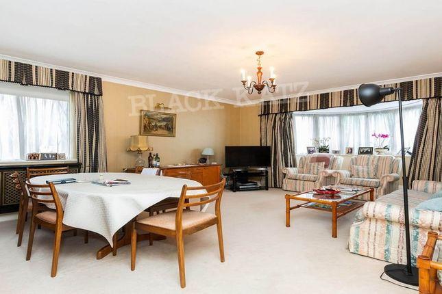 Thumbnail Flat to rent in Hendon Lane, London
