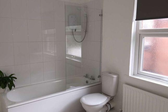 Room to rent in Wilderspool Causeway, Warrington WA4