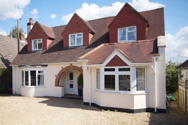 Thumbnail Detached house for sale in Farnham Road, Farnham