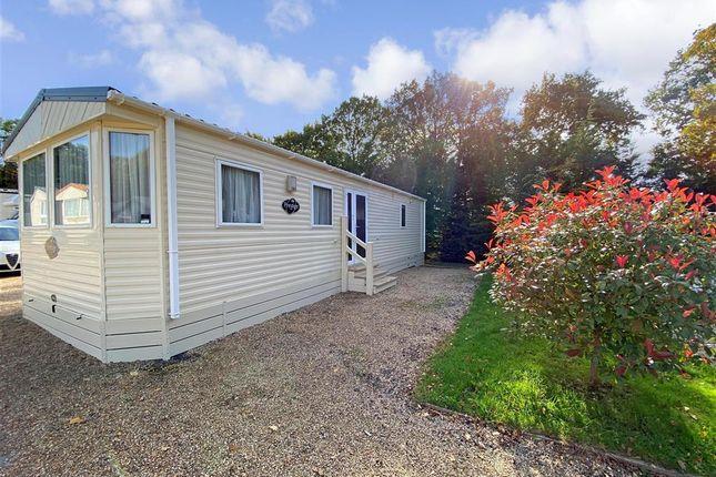 2 bed mobile/park home for sale in Emms Lane, Brooks Green, Horsham, West Sussex RH13