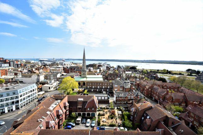 Thumbnail Flat for sale in Castle Way, Southampton