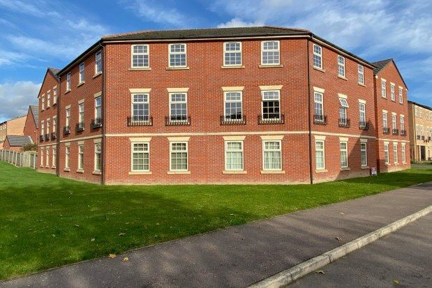 2 bed flat to rent in Ravenfield, Rotherham S65