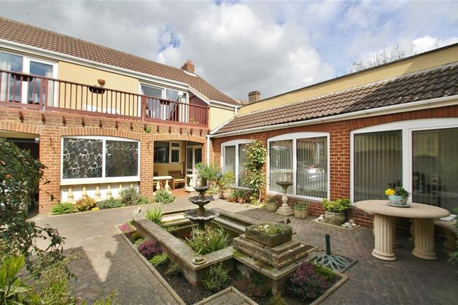 3 bed property for sale in The Old Coach House, Howe Lane, Goxhill