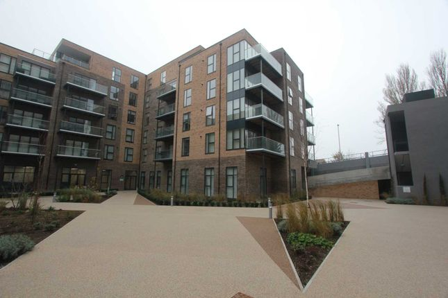 Flat to rent in The Causeway, Goring-By-Sea, Worthing