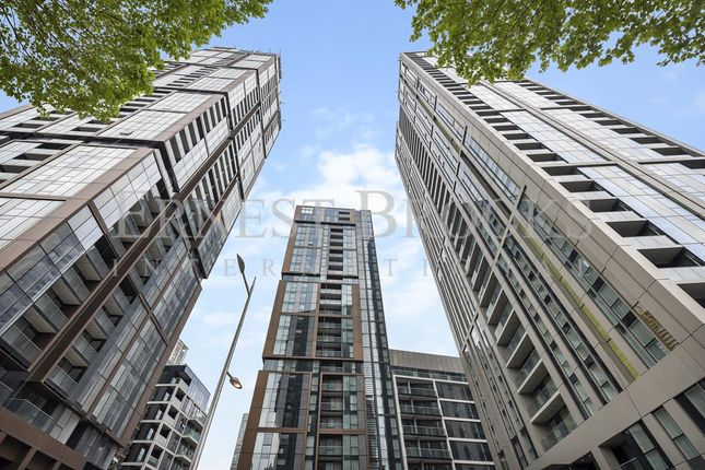 Picture 1 of Maine Tower, Harbour Central, Canary Wharf E14