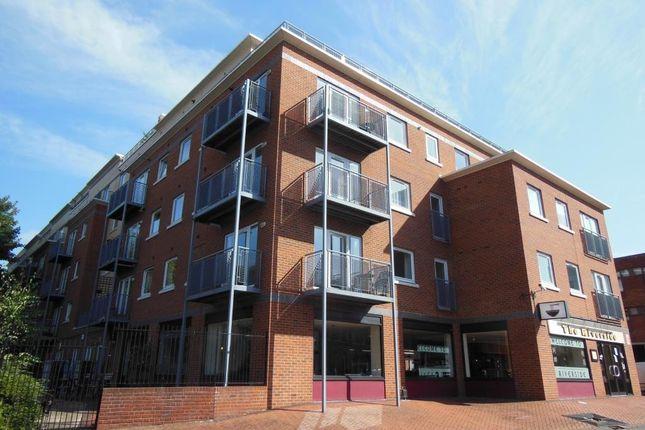 Thumbnail Flat to rent in High Street, Uxbridge