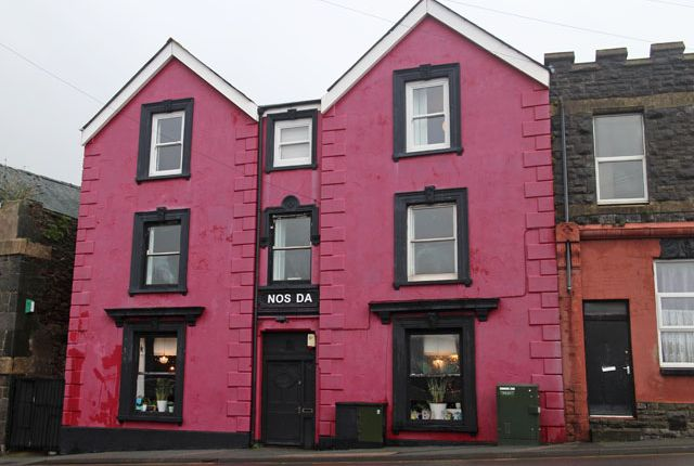 Thumbnail Pub/bar for sale in Victoria Road, Milford Haven
