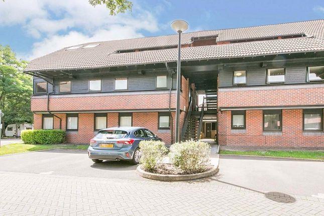 2 bed flat to rent in Hamnett Court, Birchwood, Warrington WA3