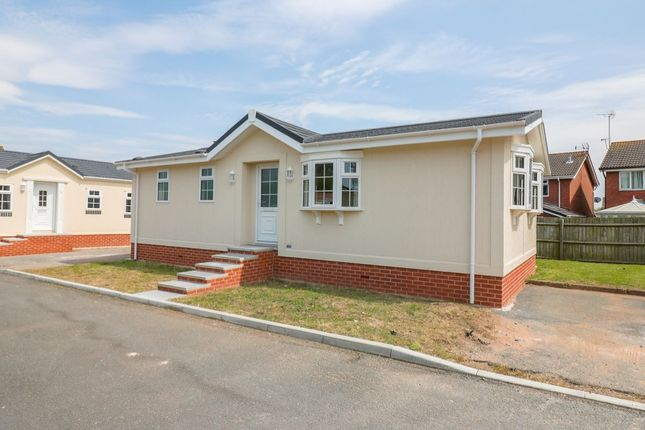 Thumbnail Bungalow for sale in Orchard Park, Elton, Chester