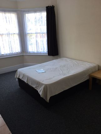 2 bed flat to rent in Carlingford Road, London N15