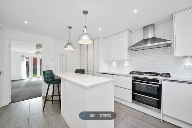 Thumbnail Semi-detached house to rent in Rossway Drive, Bushey
