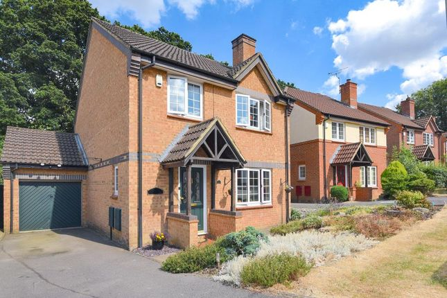 Thumbnail Detached house for sale in Hawkley Drive, Tadley
