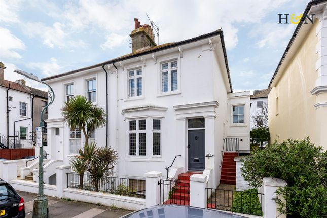 Thumbnail Flat for sale in Hova Villas, Hove