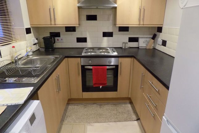 Thumbnail Property to rent in Lancaster Court, Ravenhill, Swansea