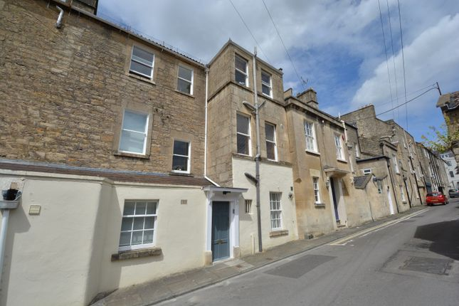 Thumbnail Flat to rent in Devonshire Buildings, Bath