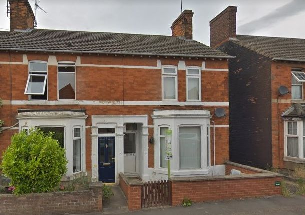 Thumbnail Shared accommodation to rent in Irchester Road, Rushden
