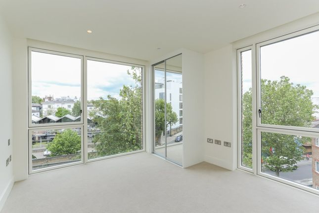 Thumbnail Flat for sale in 14 West Row, London