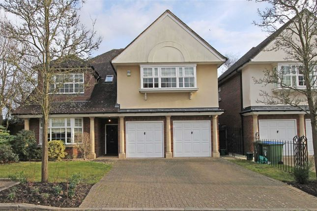 Thumbnail Property to rent in Jennings Close, Long Ditton, Surbiton