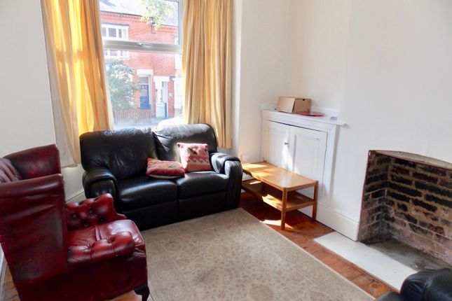 Thumbnail Terraced house to rent in Lorne Road, Leicester