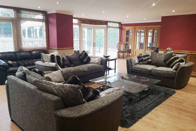 Thumbnail Bungalow for sale in Woolsington Park South, Woolsington, Newcastle Upon Tyne