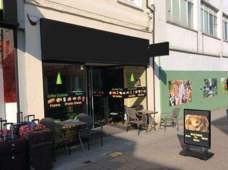 Restaurant/cafe for sale in Aldershot GU11, UK