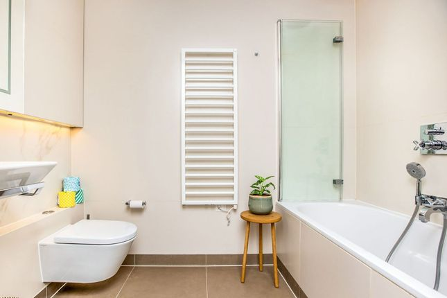 Bathroom of 67 Tufton Street, Westminster SW1P