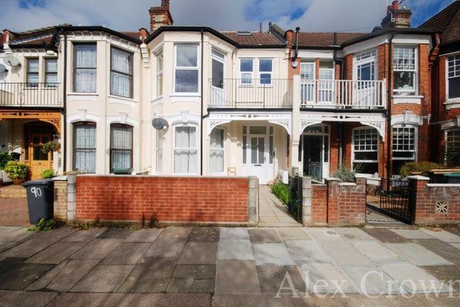 4 bed flat to rent in Woodside Road, London N22