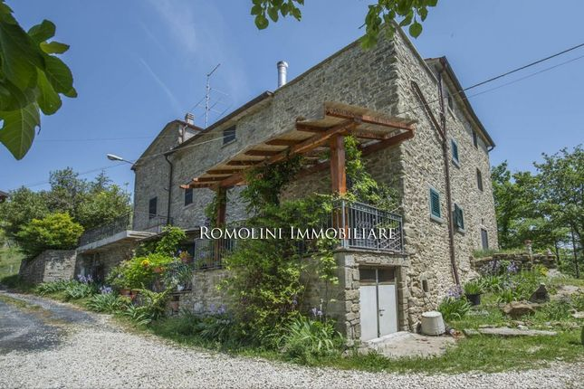 Thumbnail Town house for sale in Caprese Michelangelo, Tuscany, Italy