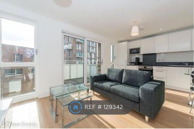 Studio to rent in Hannaford Walk, London