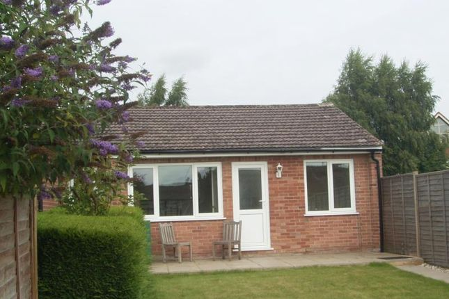 Thumbnail Bungalow to rent in Spaines, Great Bedwyn, Wiltshire, 3Lt.